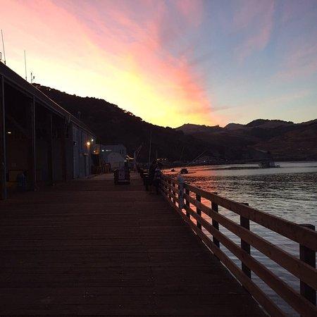Avila Beach, Kalifornien: Sunset from the adjacent pier.