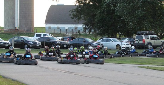 Brodhead, WI: 20+ Rent to Race drivers at the green flag for a 50 lap endurance race!