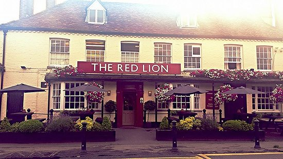 Wooburn, UK: Warm, friendly and an inviting hospitality at all times. Which is nice.