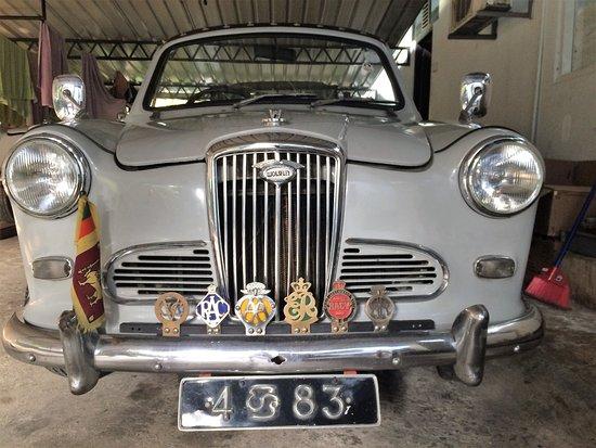 Ridee Villa: Pro milovníky starých aut je projížda veteránem velký zážitek.