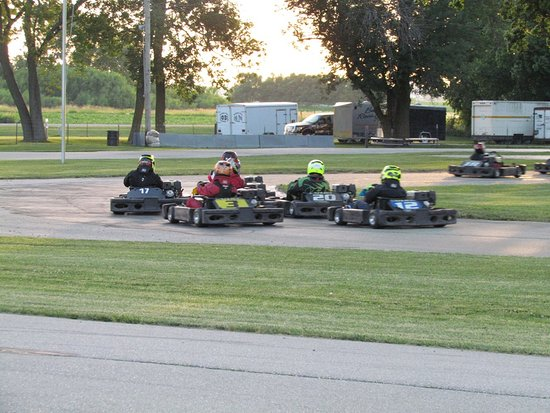 Brodhead, WI: Karts will load > 1G in the corners