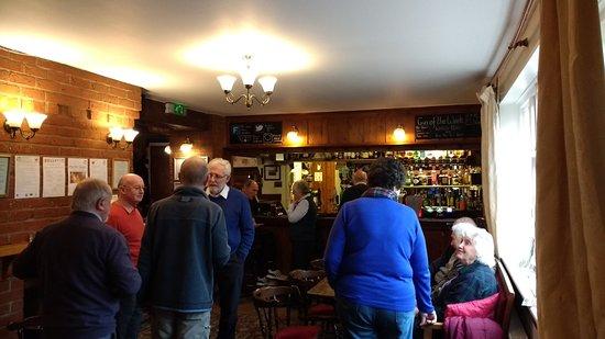 White Horse Chedgrave: Bar area