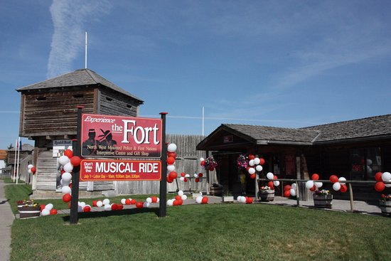 Fort Macleod, Canada: Canada Day at the Fort Museum of the NWMP