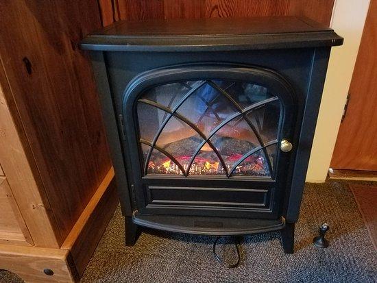 Kula Lodge Chalet 5 Room heater
