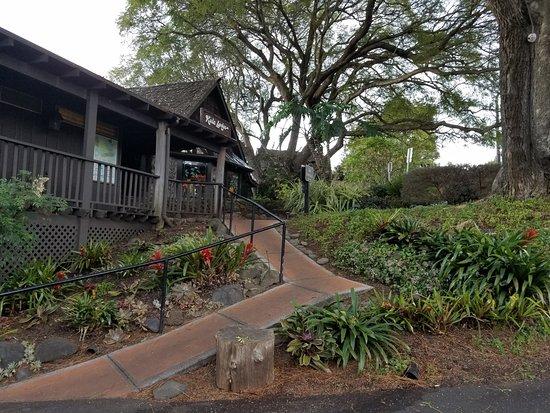 Kula Lodge and Restaurant
