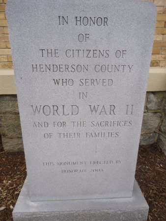 Henderson Heritage Museum: Monument in honor of Hendersonville citizens
