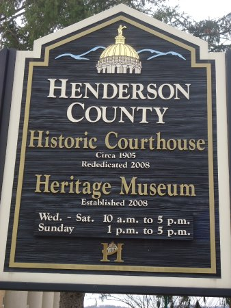 Henderson Heritage Museum: Henderson County Plaque at Courthouse
