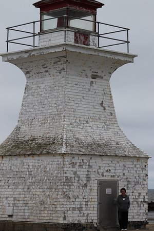 Bayfield, Canada: Lighthouse at the end of the pier