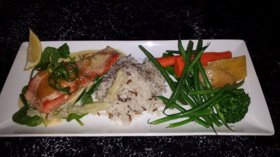 Social 242 Lounge and Grill: Wild Salmon, rice & Vegg. Done perfectly!