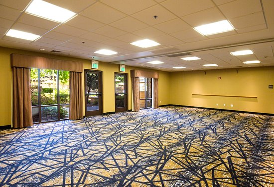 Hampton Inn & Suites Windsor - Sonoma Wine Country: Our hotel's meeting space.