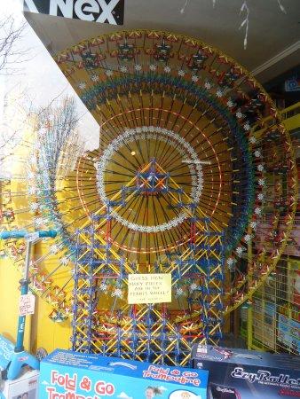 Hendersonville, NC: K'Nex Ferris Wheel - Wow!!!