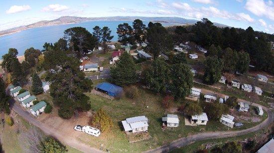 Rainbow Pines Tourist Caravan Park: Overhead view