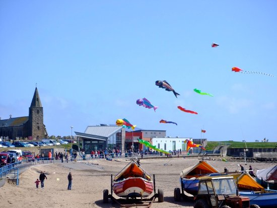 Newbiggin-by-the-Sea, UK: Newbiggin Kite Festival held each Easter weekend.