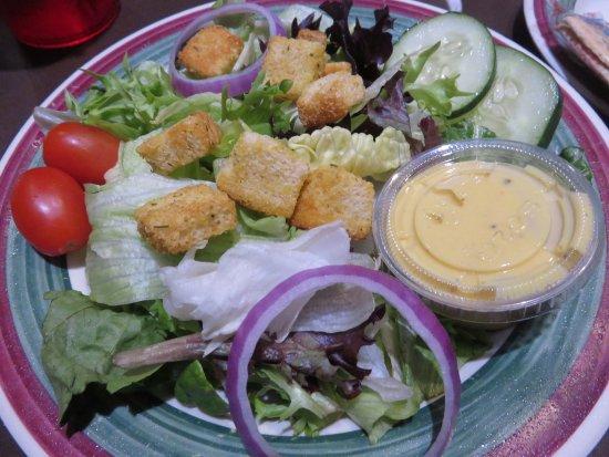 Houligan's: Side salad