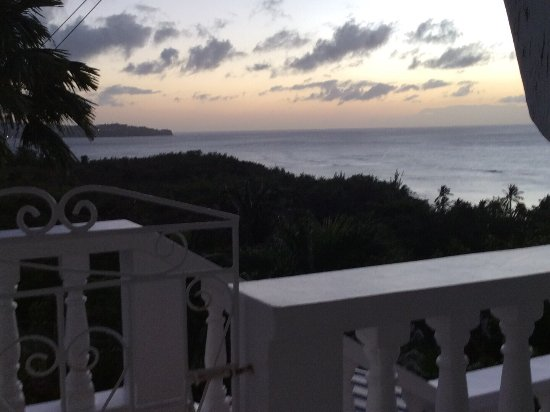 Apartment Espoir: This place is paradise. Hosts are just wonderful, kind, generous, helpful and very available. Th