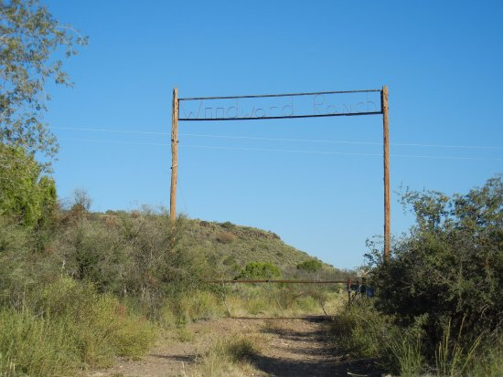 Alpine, TX: Entrance to Woodward Ranch