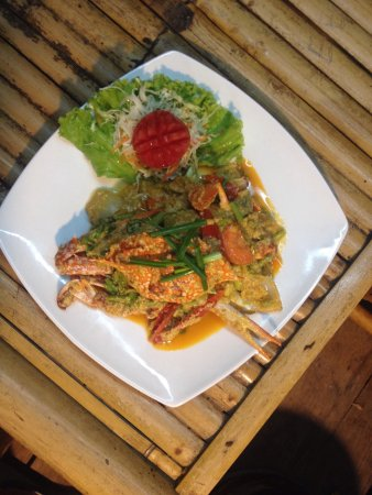 Win Win Bar & Restaurant: Crab with yellow curry powder