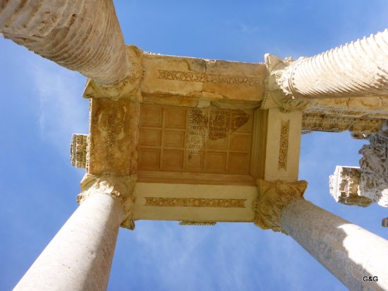 Geyre, Türkei: looking up for the detail
