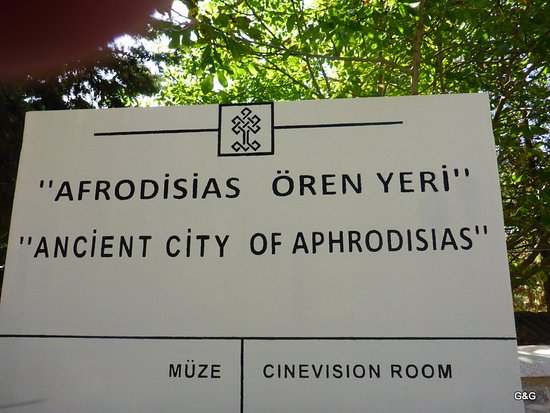 Geyre, Türkei: Visit the museum inside too, for more and smaller pieces