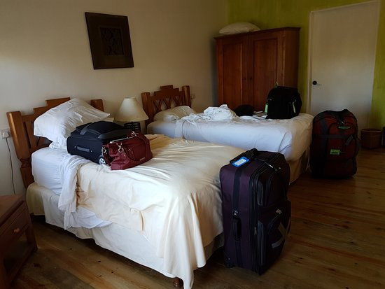 True Blue Bay Boutique Resort: Std Double Room #2, bed very close