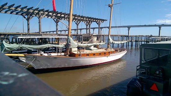 Apalachicola Maritime Museum: The museum's beautiful wooden ketch Heritage of Apalachicola offers sailing tours.