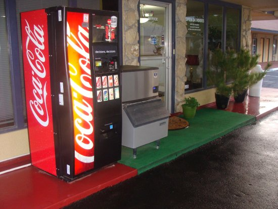 Hico, Teksas: Ice Machine & Soda Vending