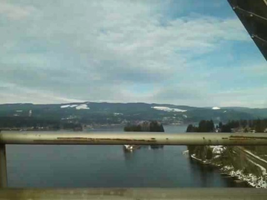 Cascade Locks, Oregón: Looking East from the bridge