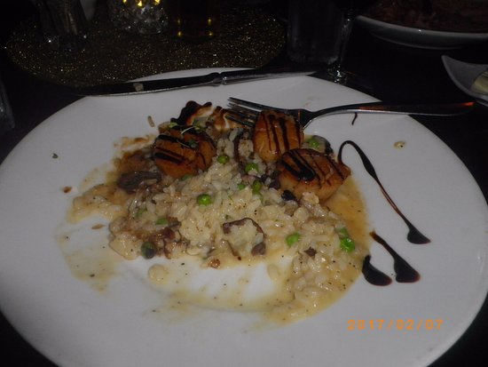 Cafe Napoli: Scallops with Mushroom Risotto