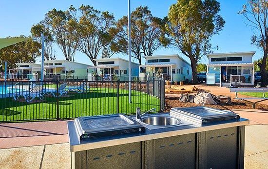 Outdoor BBQ Facilities & Pool