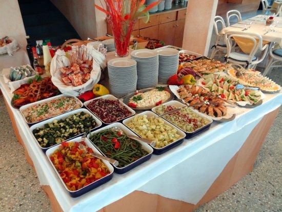 Duna Verde, İtalya: cena: il buffet di antipasti