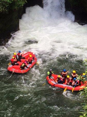 Окере-Фоллз, Новая Зеландия: Rafting at the Okere Falls