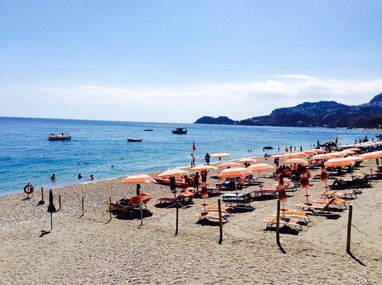 Hotel Albatros: собственный пляж отеля