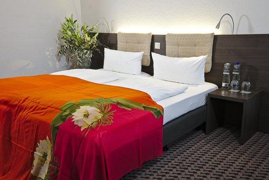 art & business Hotel: Doppelzimmer
