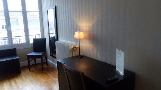 Equipement de votre chambre photo de hotel de l 39 europe for Equipement hotel