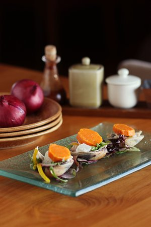 C's Steak and Seafood Restaurant: Clam and Seabass Ceviche