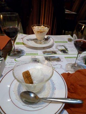 Port-Bail, ฝรั่งเศส: dessert riz au lait et boule de glace