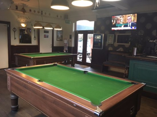 The Lincoln Arms Pub: Pool Tables