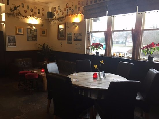 The Lincoln Arms Pub: Seating