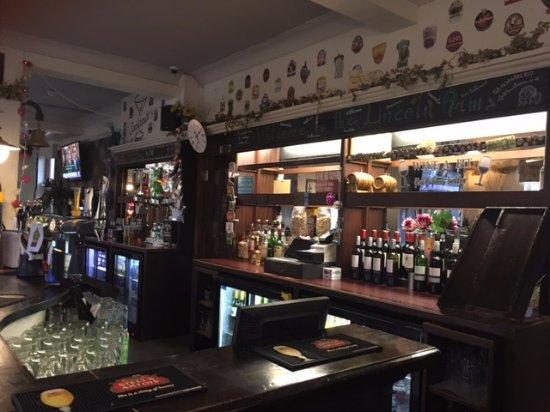 The Lincoln Arms Pub: Bar