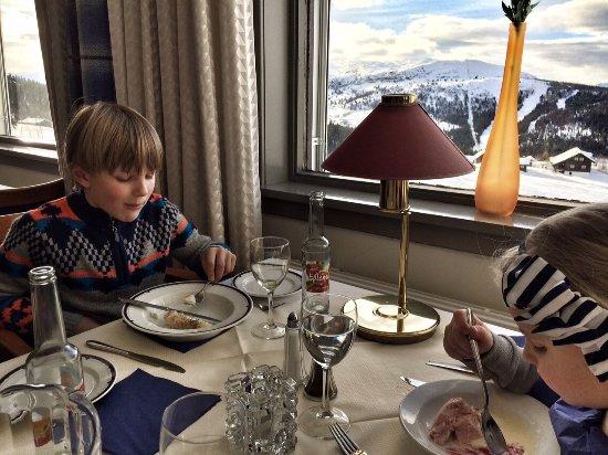 גאלה, נורווגיה: frokost med dessert og smuk udsigt
