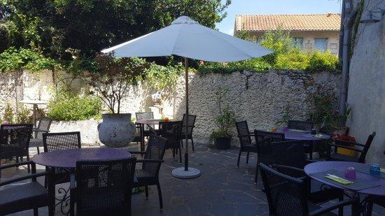Restaurant Les Begonias: Notre patio intérieur