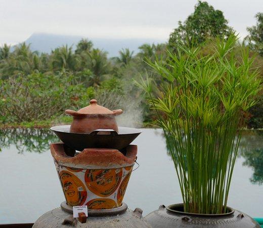 Belmond La Residence Phou Vao: Breakfast poolside