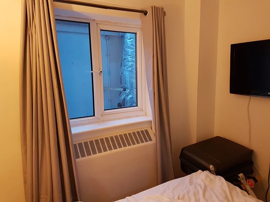 Falstaff Hotel: 20170207_073755_large.jpg