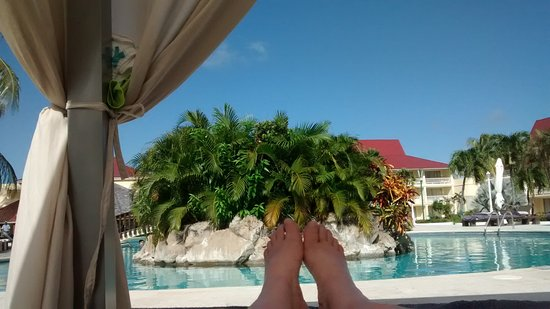 Royal St Lucia Resort and Spa: Wonderful times spent by the pool and beach