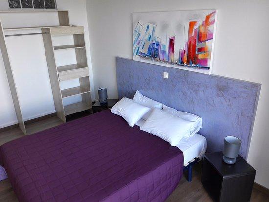 CHAMBRE DOUBLE STANDARD - Picture of Hotel II Tramonto, Calvi ...