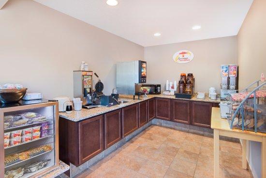 Humboldt, IA: Breakfast Serving Area