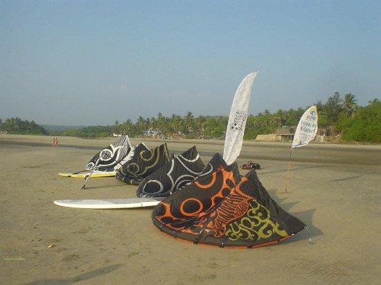 GUSTYKITE - kitesurf schools