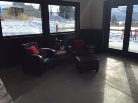 Manson, WA: sitting area