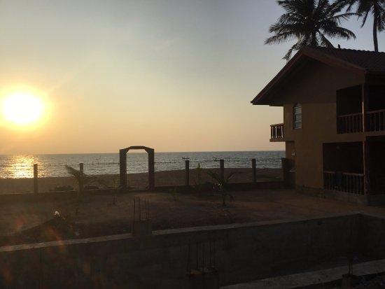 Puttalam, ศรีลังกา: Sun set from Sea Bay Resort