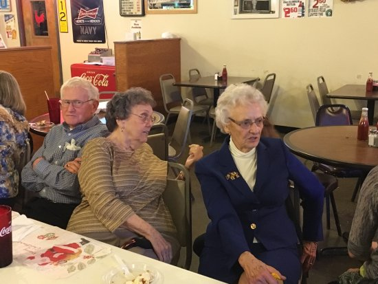 Sellersburg, IN: Celebrated Mom's 90 th birthday at The Chicken House
